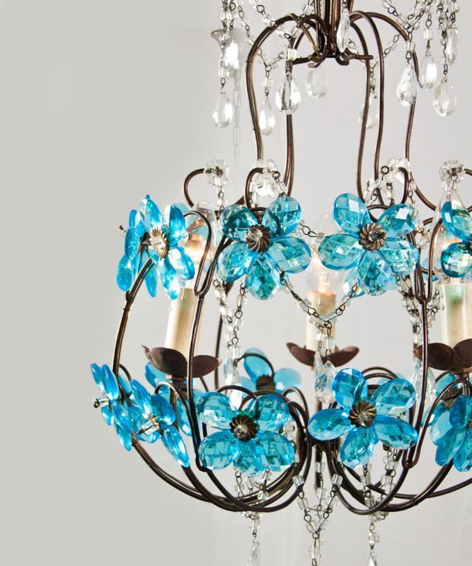 Italiaanse kroonluchter met blauwe bloemen