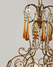 Italiaanse antieke kroonluchter met amber gekleurde pegels