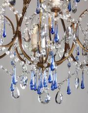 Italiaanse jaren 30 antieke kroonluchter met blauwe kristallen pegels