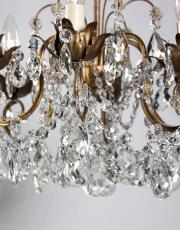 Italiaanse antieke kroonluchter met kristallen pegels