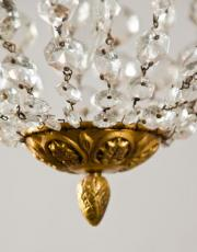 Antieke zakluchter uit Frankrijk met kristallen pegels