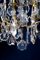 Antieke vergulde kristallen kroonluchter