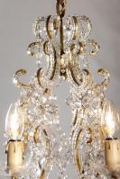 Italiaanse kristallen kroonluchter met kristallen pegels