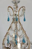 grote Italiaanse antieke kroonluchter met blauwe gekleurde pegels